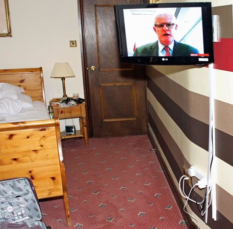 Ennerdale Country House Hotel: The TV & wiring