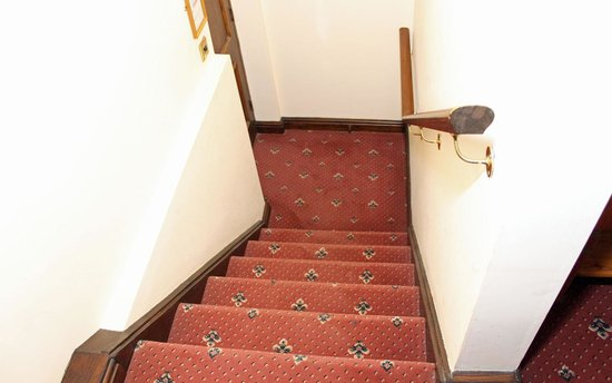 Ennerdale Country House Hotel: The stairs that don't have two-way switching
