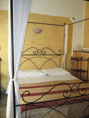 بالداسيني: The room was warm and welcoming