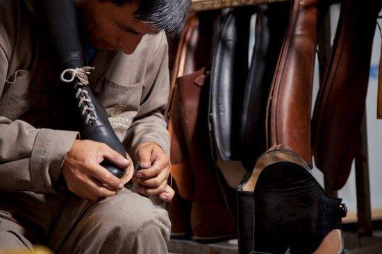 La Mundial Custom Boots - Factory Tour