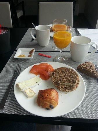 Legere Hotel Luxembourg : Desayuno