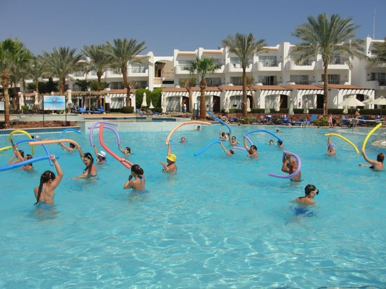Jaz Fanara Resort & Residence: Animazione in piscina
