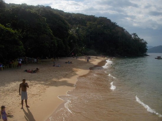 Praia de Japariz: La playa a la derecha del muelle