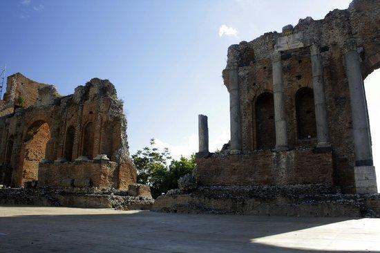 Teatro Greco: Внутри театра