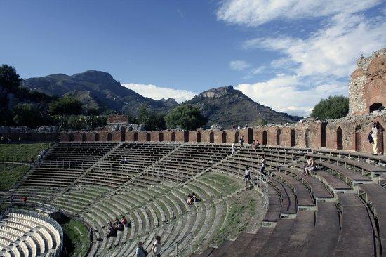 Teatro Greco: Вид на театр