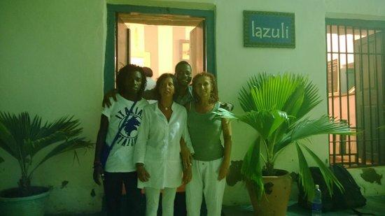 Lazuli : le ragazze con fabiano e il cameriere
