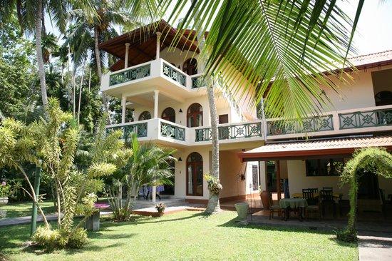Shangri-Lanka Villa : Rooms