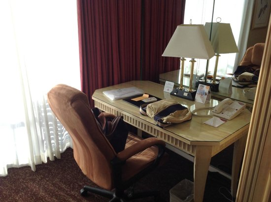 Crowne Plaza Hotel San Diego - Mission Valley : suite