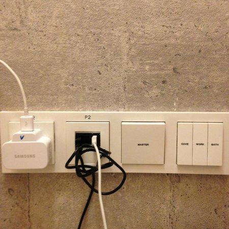 BIG Hotel Singapore - TEMPORARILY CLOSED : Wall socket