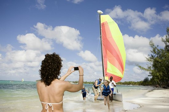 Premium Level at Barcelo Bavaro Palace : Beach activities
