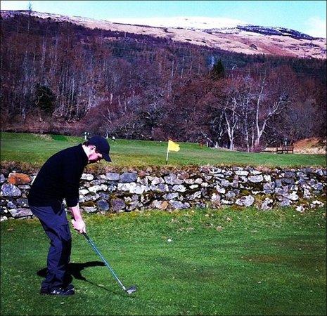 Killin Golf Club: A tricky shot
