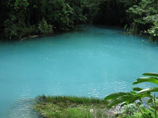 Rio Celeste: Blue lake