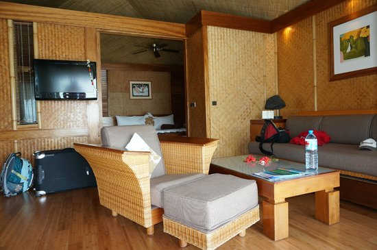 InterContinental Moorea Resort & Spa: lounge area in room 626