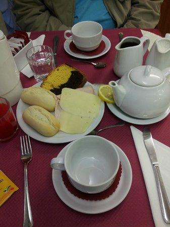 Hotel Commercio & Pellegrino: heavy desayuno