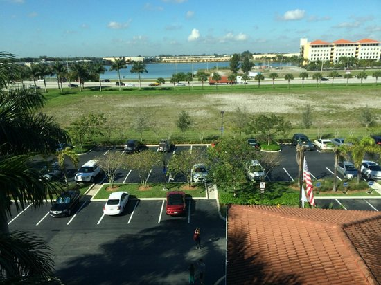 Hampton Inn & Suites Ft Lauderdale / Miramar: Vista do quarto