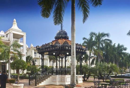 Hotel Riu Palace Riviera Maya: Riu Palace gazebo