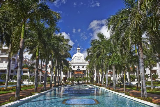 Hotel Riu Palace Riviera Maya: Riu Palace main building