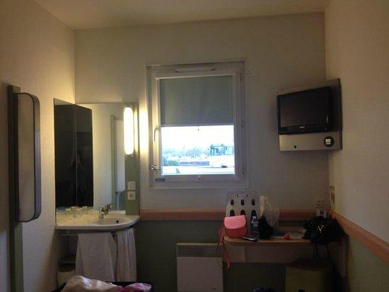 Ibis Budget Honfleur: Vue depuis la chambre 2