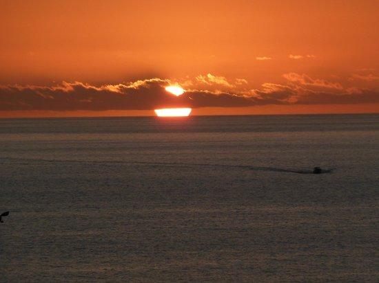 Marina Suites : Gorgeous Sunsets