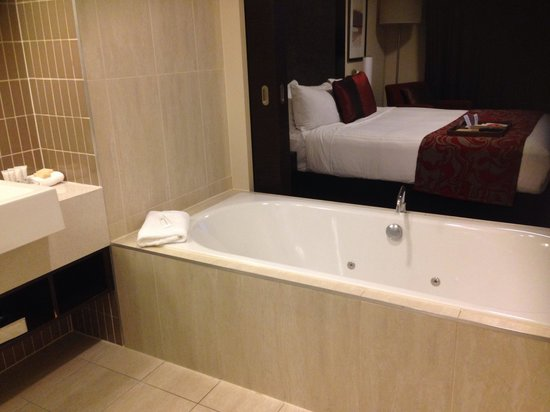 Rydges Campbelltown Sydney: Spa