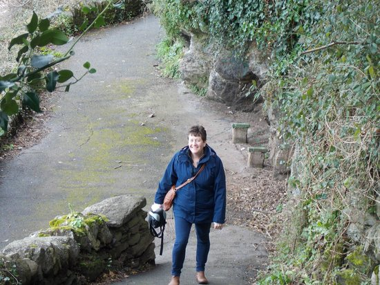 Bay Valley of Rocks Hotel: zigzag path down to lynmouth