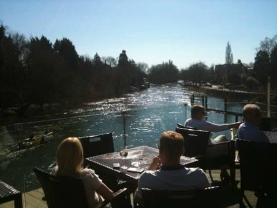 Boulters Riverside Brasserie & Terrace Bar: View from the second floor Terrace Bar