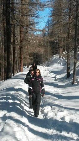 Hotel Sansicario Majestic: Uscita a piedi Club non sciatori