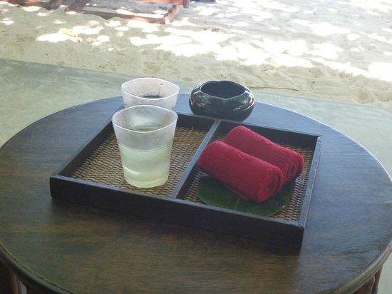 Anantara Rasananda Koh Phangan Villas: erfrischung am strand