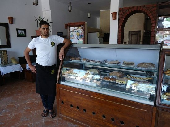 Ralph's German Bakery: Mr Hussain is a wonderful manager