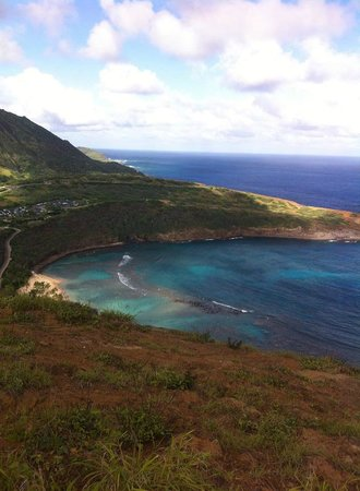 Hanauma Bay Nature Preserve: View from hiking trial