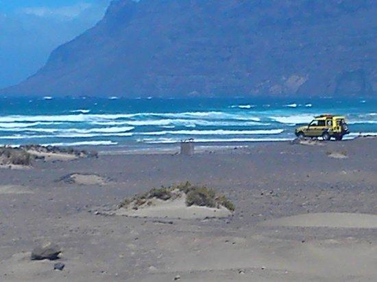 Famara Beach: Surf's up - but the beach was closed