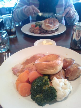 Gleddoch House Hotel, Spa & Golf Club : Lovely Roast Ham & Steak Pie