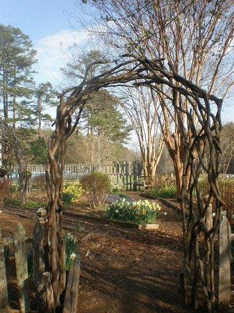 Glen-Ella Springs Inn : Beautiful garden