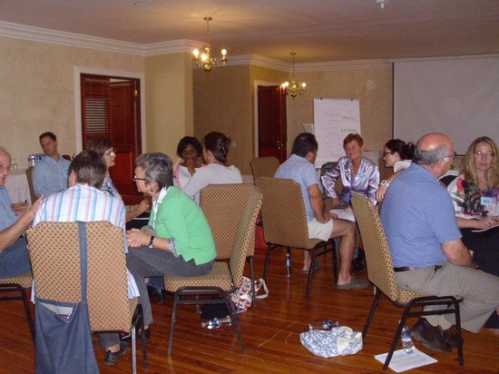 Cricklewood Manor : Small group discussions