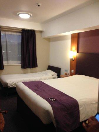 Premier Inn London Gatwick Airport (North Terminal) Hotel: 'Twin' room