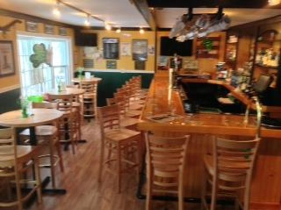 Annie's Irish Pub: Now we have much more space and comfort.