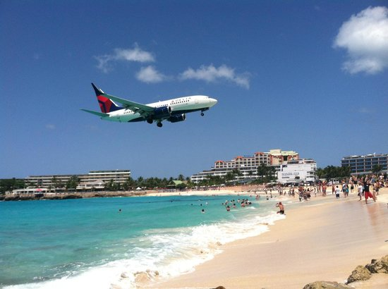 Maho Beach: Airport Beach