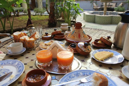 Riad Jaouhara : lovely breakfast