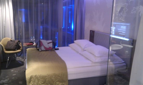 PURO Hotel: Room