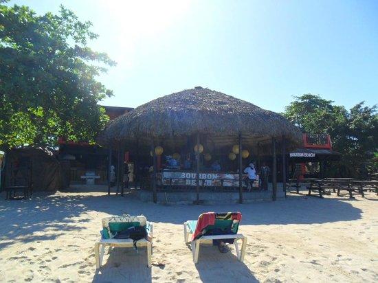 Sunrise Club: Spiaggia convenzionata