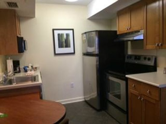 HYATT house Miami Airport: Kitchen
