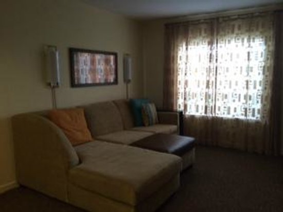 HYATT house Miami Airport: Living room