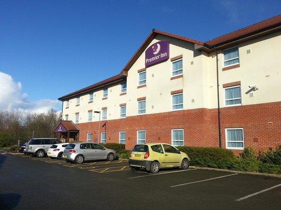 Premier Inn Grantham Hotel: The hotel, upon arrival