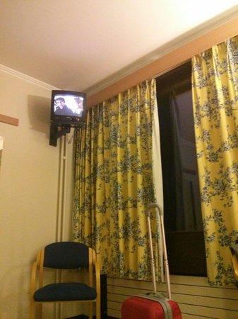 Parc Belle-Vue: La chambre et le téléviseur