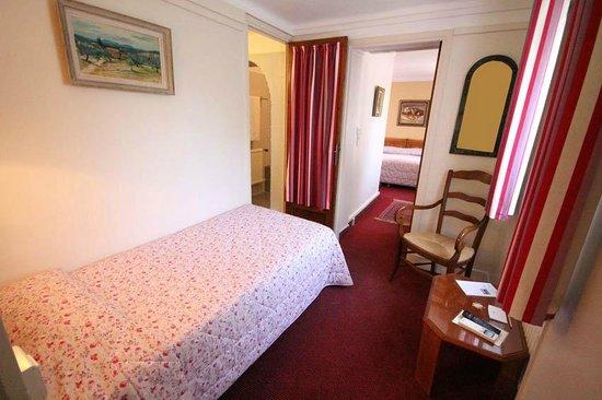 Hôtel Mas Djoliba : Chambre triple