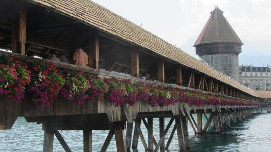 Hotel Wilden Mann: Chapel Bridge