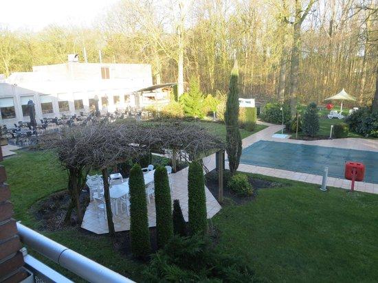 Leonardo Hotel Brugge: vu de notre chambre au 1er étage