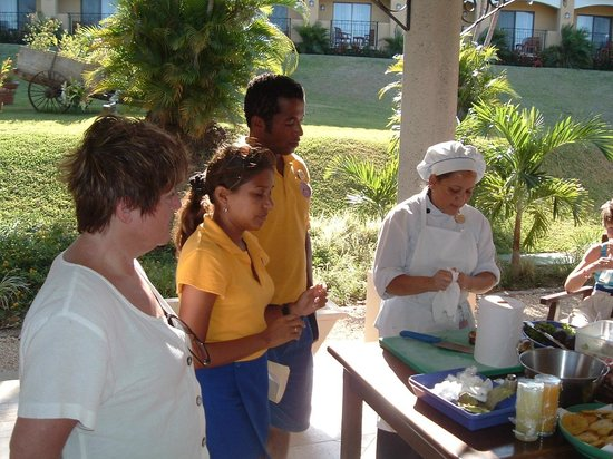 Occidental Papagayo - Adults only: Making Snacks