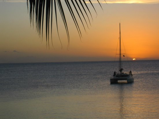 Cocobay Resort : Sunset