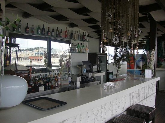 Polis Grand Hotel: Roofbar